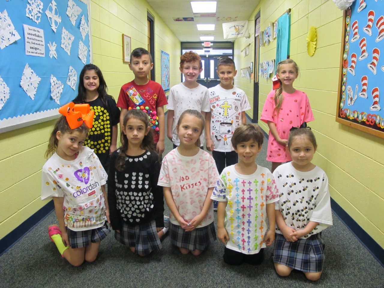 2nd Grade Celebrates with 100 things on a T-Shirt
